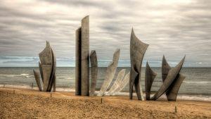 Omaha_Beach_monument